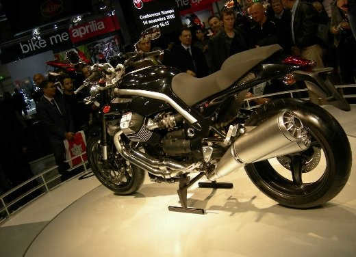 Moto Guzzi all'EICMA di Milano - Foto 13 di 14