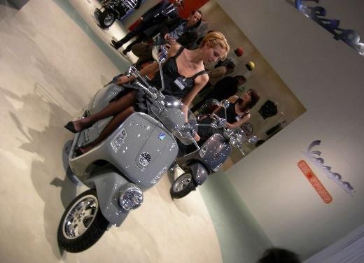 Vespa all'EICMA 2006 - Foto 5 di 9