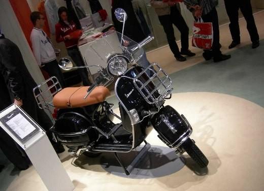 Vespa all'EICMA 2006 - Foto 7 di 9