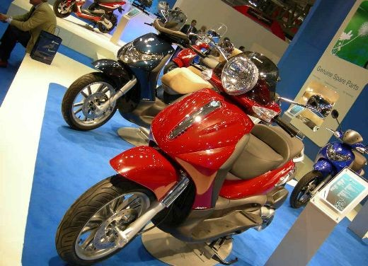 Video Piaggio all'EICMA di Milano - Foto  di