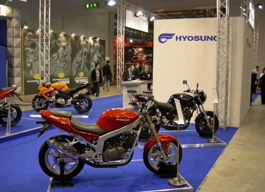 Video Hyosung all'EICMA di Milano - Foto  di