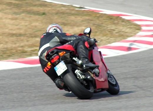 Ducati 749: Prova in pista del bicilindrico di Borgo Panigale - Foto 7 di 18
