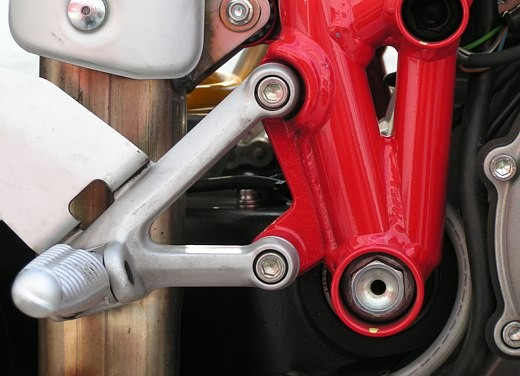 Ducati 749: Prova in pista del bicilindrico di Borgo Panigale - Foto 12 di 18