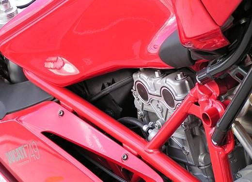Ducati 749: Prova in pista del bicilindrico di Borgo Panigale - Foto 14 di 18
