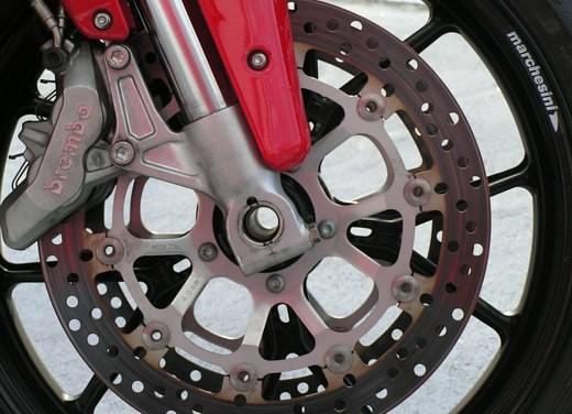 Ducati 749: Prova in pista del bicilindrico di Borgo Panigale - Foto 15 di 18