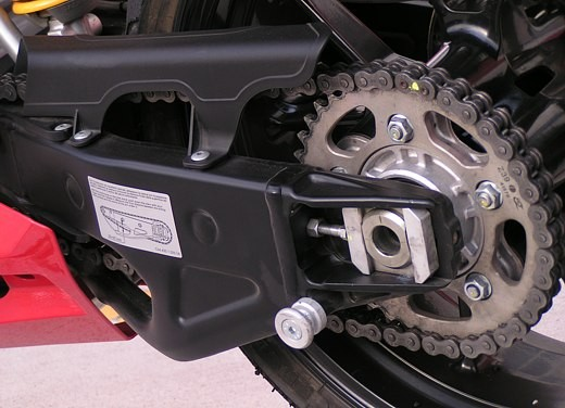Ducati 749: Prova in pista del bicilindrico di Borgo Panigale - Foto 16 di 18