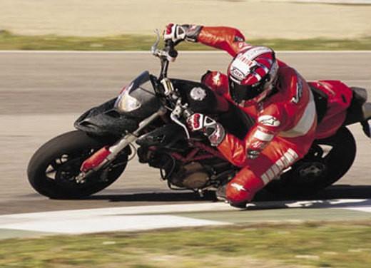 Ducati Hypermotard 1100 - Foto 1 di 28
