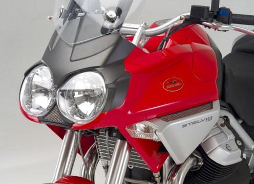 Moto Guzzi Stelvio 1200 - Foto 1 di 18