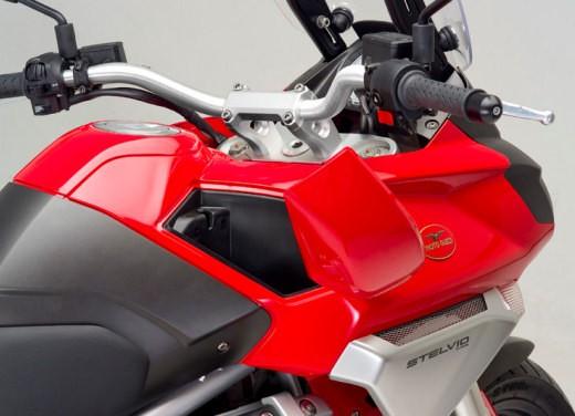 Moto Guzzi Stelvio 1200 - Foto 18 di 18