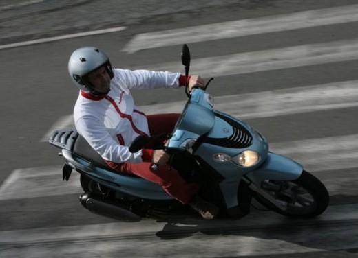 Piaggio Carnaby 125/200 – Test Ride - Foto 11 di 16