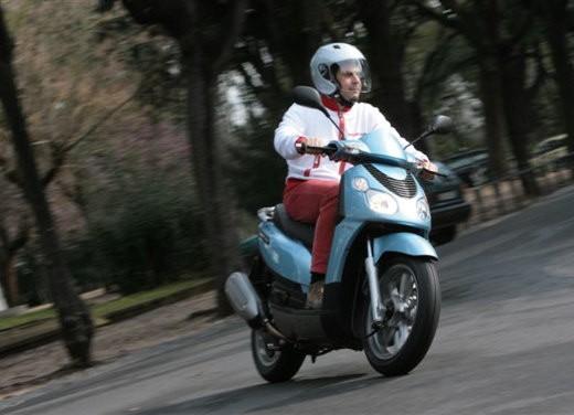 Piaggio Carnaby 125/200 – Test Ride - Foto 13 di 16