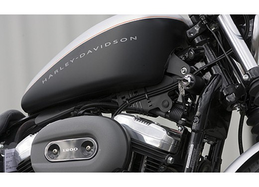 Harley Davidson XL 1200N Nightster - Foto 2 di 6
