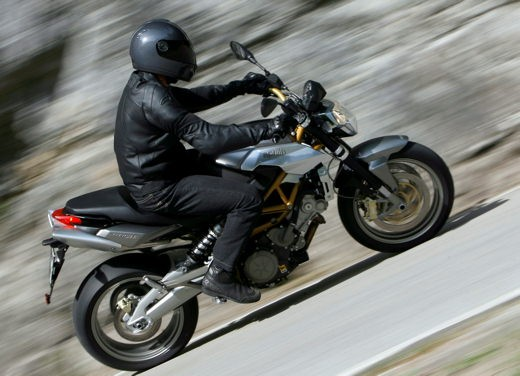 Aprilia Shiver e V4 Superbike - Foto 9 di 28