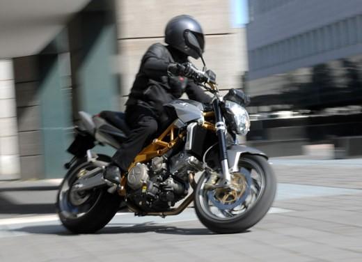 Aprilia Shiver e V4 Superbike - Foto 11 di 28
