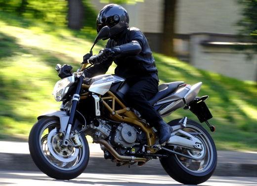 Aprilia Shiver e V4 Superbike - Foto 12 di 28