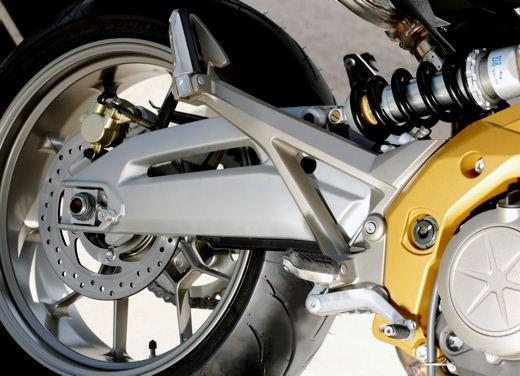 Aprilia Shiver e V4 Superbike - Foto 14 di 28