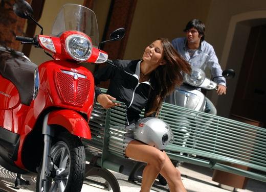 Aprilia Scarabeo 125 e 200 – Test Ride - Foto 13 di 25