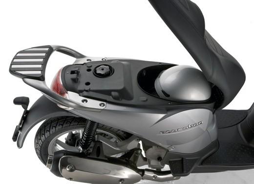 Aprilia Scarabeo 125 e 200 – Test Ride - Foto 22 di 25