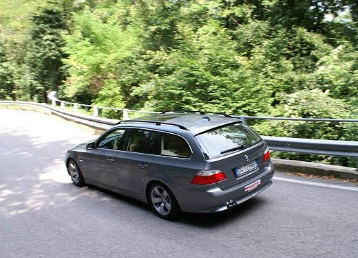 BMW 525d Touring & R 1200 R – Test Drive - Foto 17 di 25
