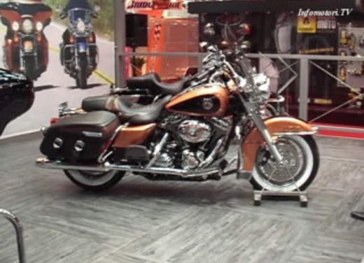 Video Harley Davidson  a Parigi 2007 - Foto  di