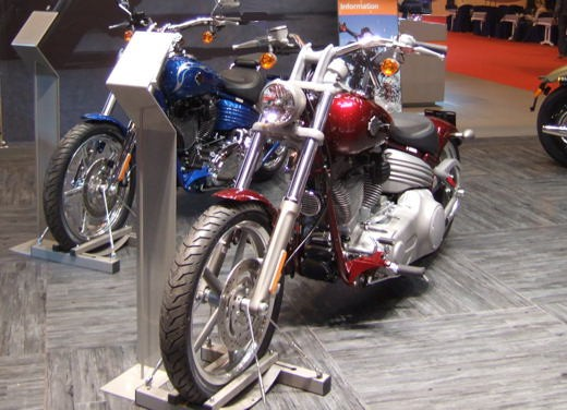 Harley Davidson al Salone di Parigi 2007 - Foto 4 di 14