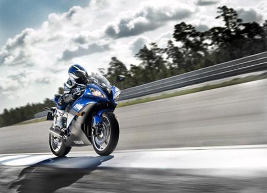 Yamaha YZF R6 2009 - Foto 2 di 17
