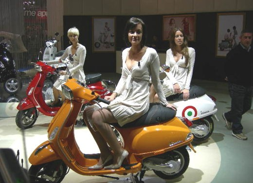 Vespa all'EICMA 2007 - Foto 3 di 15