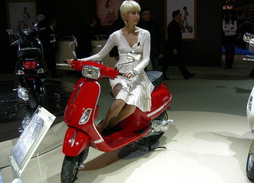 Vespa all'EICMA 2007 - Foto 6 di 15