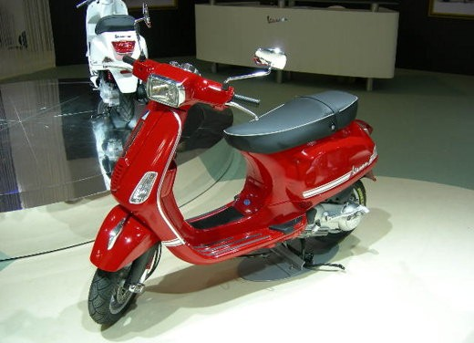 Vespa all'EICMA 2007 - Foto 14 di 15