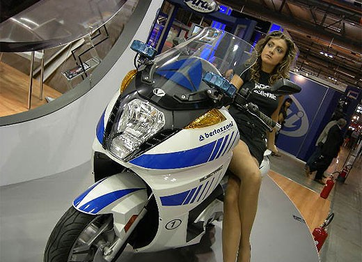 Vectrix all'EICMA 2007 - Foto 19 di 23
