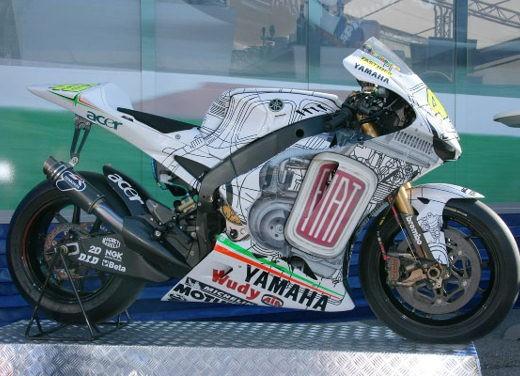Ultimissime: Yamaha M1 - Foto 2 di 5