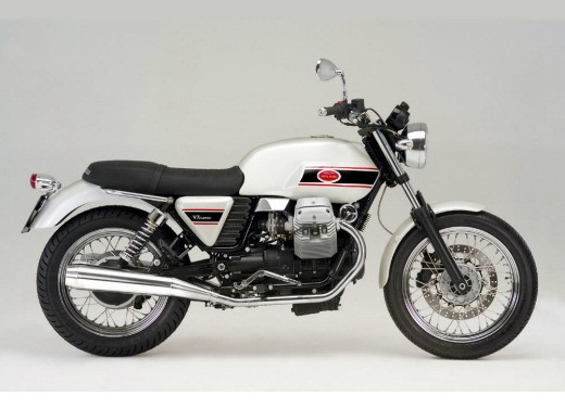 Ultimissime: Moto Guzzi V7 Classic - Foto 5 di 6