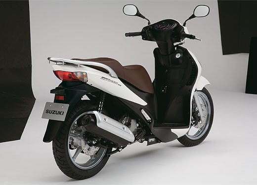 Suzuki SIXteen - Foto 10 di 10