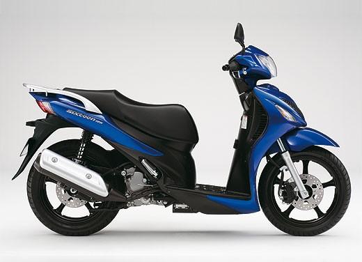 Suzuki SIXteen - Foto 5 di 10
