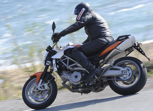 Aprilia Shiver 750 – Long Test Ride - Foto 17 di 37