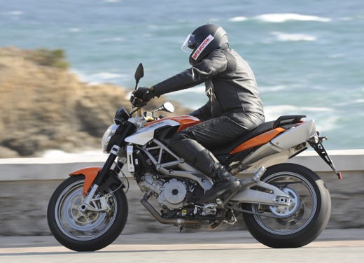 Aprilia Shiver 750 – Long Test Ride - Foto 25 di 37