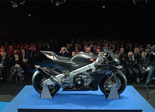 Aprilia RSV4 Superbike torna a competere - Foto 6 di 11