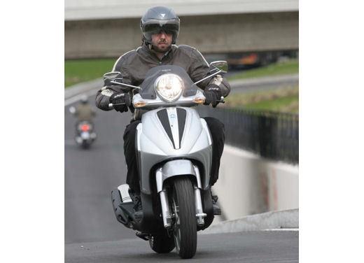 Piaggio Beverly Tourer 2008 – test ride - Foto 7 di 12