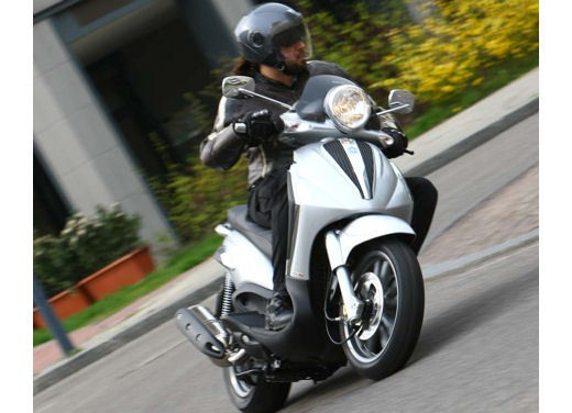 Piaggio Beverly Tourer 2008 – test ride - Foto 9 di 12