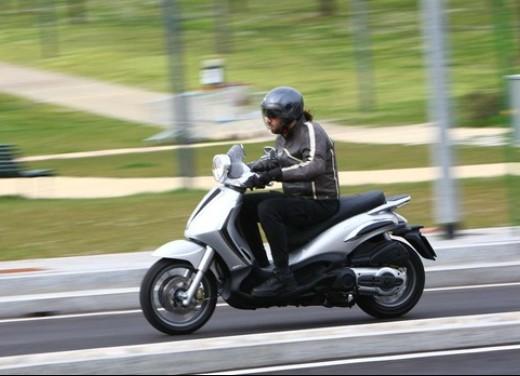 Piaggio Beverly Tourer 2008 – test ride - Foto 10 di 12
