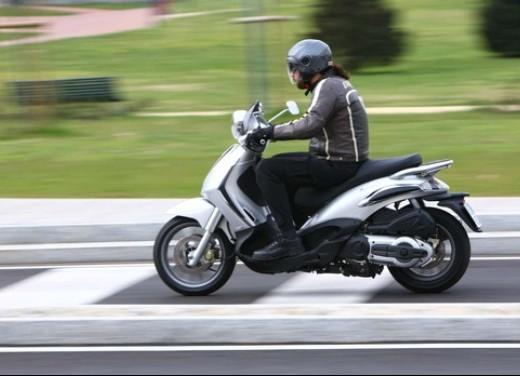 Piaggio Beverly Tourer 2008 – test ride - Foto 11 di 12