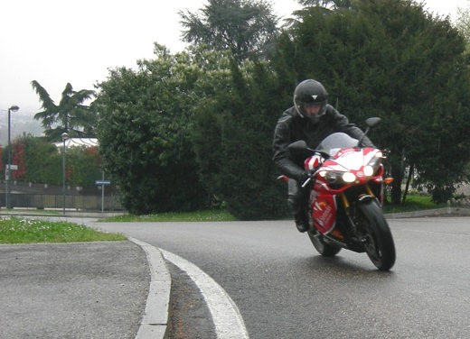 Yamaha R1 10th Anniversary – Long Test Ride - Foto 12 di 20