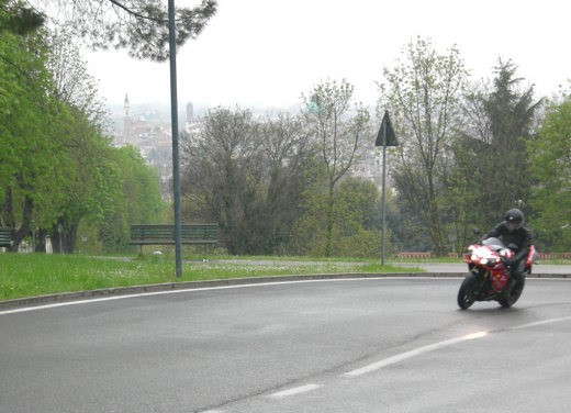 Yamaha R1 10th Anniversary – Long Test Ride - Foto 3 di 20