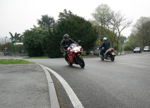 Yamaha R1 10th Anniversary – Long Test Ride - Foto 7 di 20