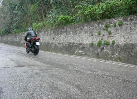 Yamaha R1 10th Anniversary – Long Test Ride - Foto 11 di 20