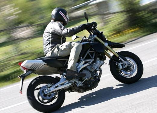 Aprilia SMV 750 Dorsoduro – Long Test Ride - Foto 5 di 25