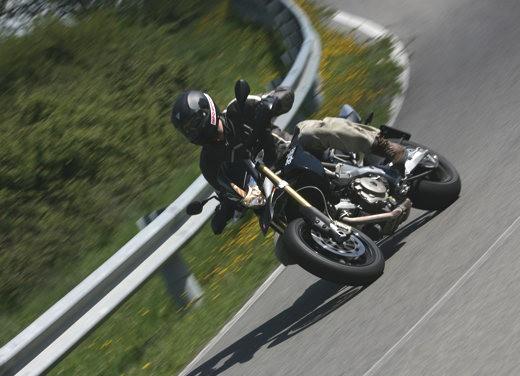 Aprilia SMV 750 Dorsoduro – Long Test Ride - Foto 9 di 25