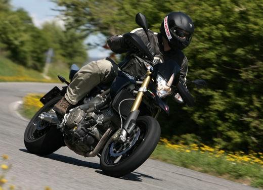 Aprilia SMV 750 Dorsoduro – Long Test Ride - Foto 10 di 25