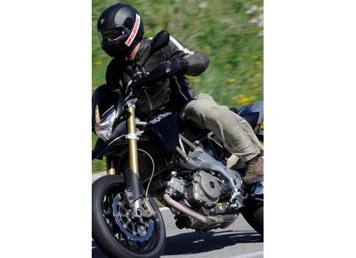Aprilia SMV 750 Dorsoduro – Long Test Ride - Foto 18 di 25