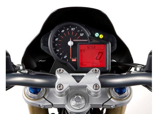 Aprilia SMV 750 Dorsoduro – Long Test Ride - Foto 24 di 25